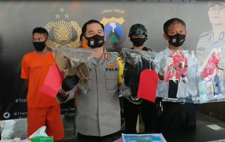 Pegawai Outsourcing Dinas Kebersihan Trenggalek Edarkan Sabu