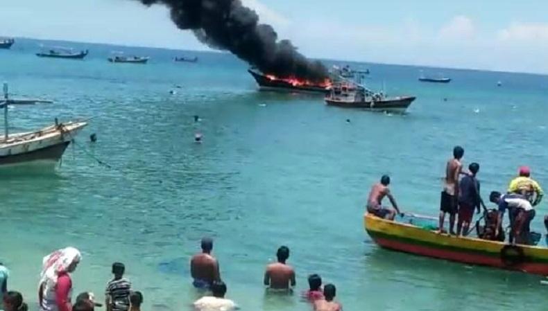 Selang Bocor, Kapal Pengangkut BBM di Probolinggo Terbakar