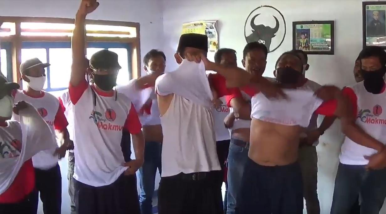 Dipecat PDIP,  Loyalis Mantan Bupati Malang Copot Atribut Paslon 1