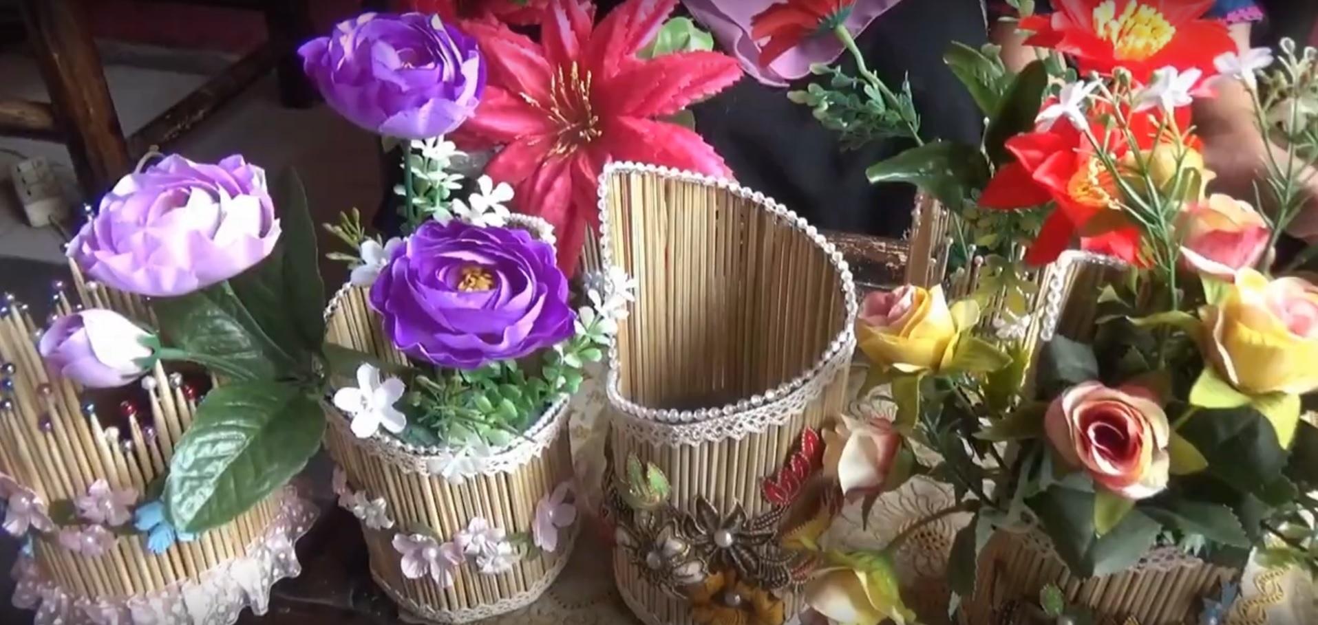 Intip Pembuatan Vas Bunga dari Tusuk Sate
