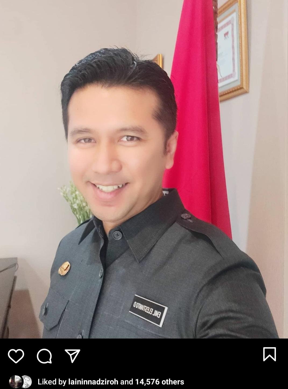 Keisengan Wagub Emil Bikin Netizen Gagal Fokus, Kenapa?