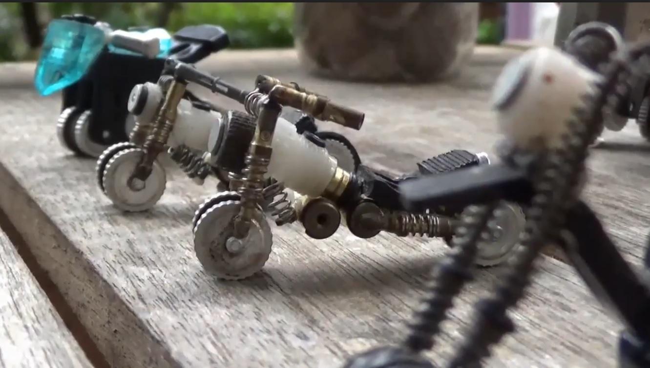 Kreatif, Pemuda di Ngawi Sulap Limbah Korek Api jadi Miniatur Moge