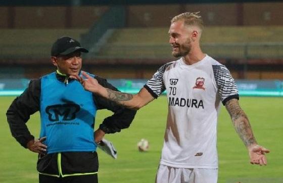 Jacob Papper menjadi pemain asing pertama yang direkut Madura United musim 2021. (ft/ist)