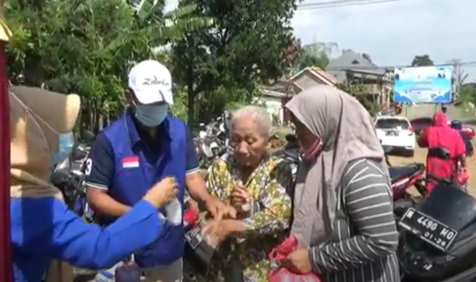 Peduli Korban Banjir Dringu, Nasdem Dirikan Posko Pengobatan Gratis