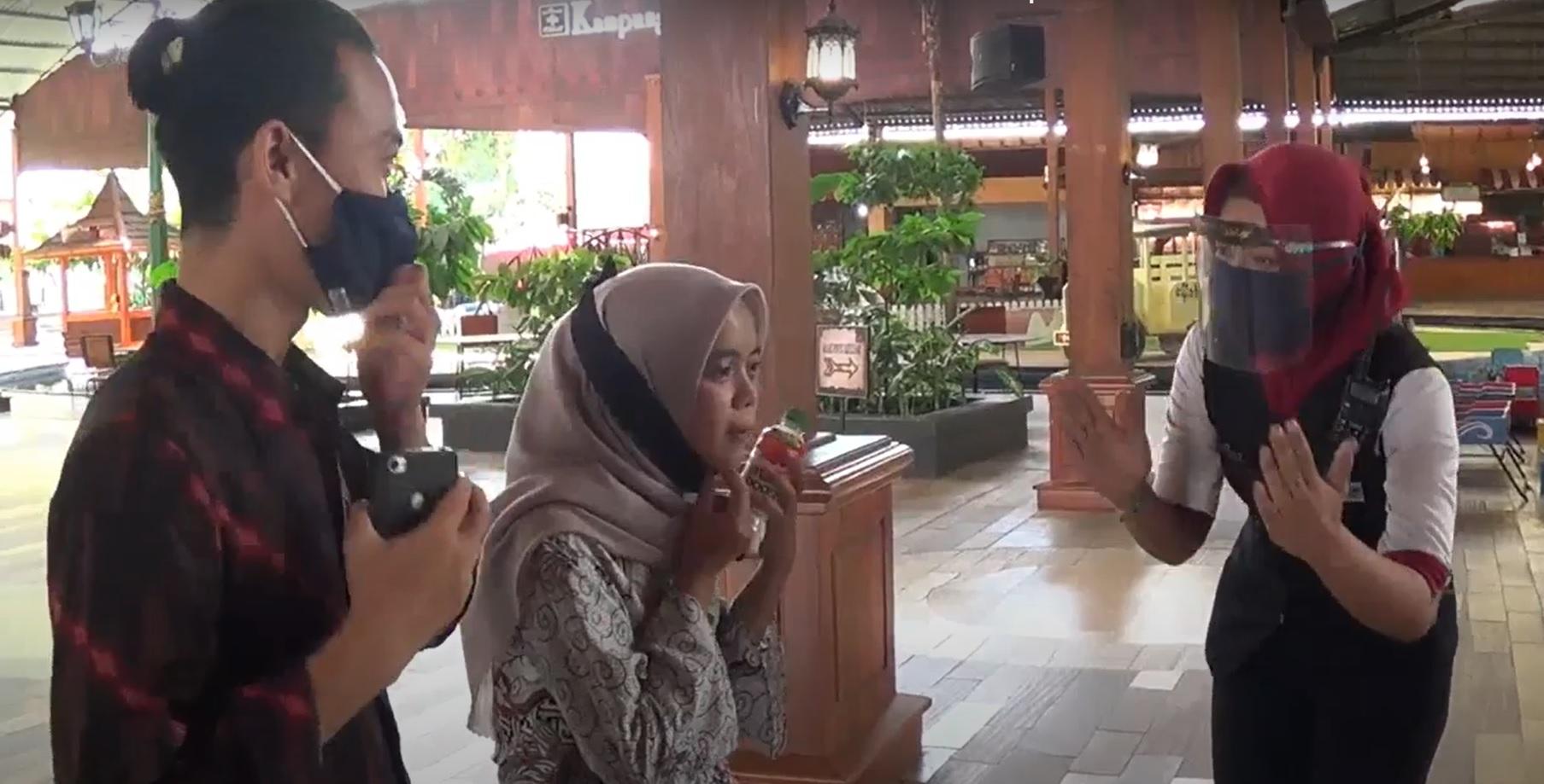 Penerapan protokol kesehata di kampung cokelat (Foto / Metro TV)