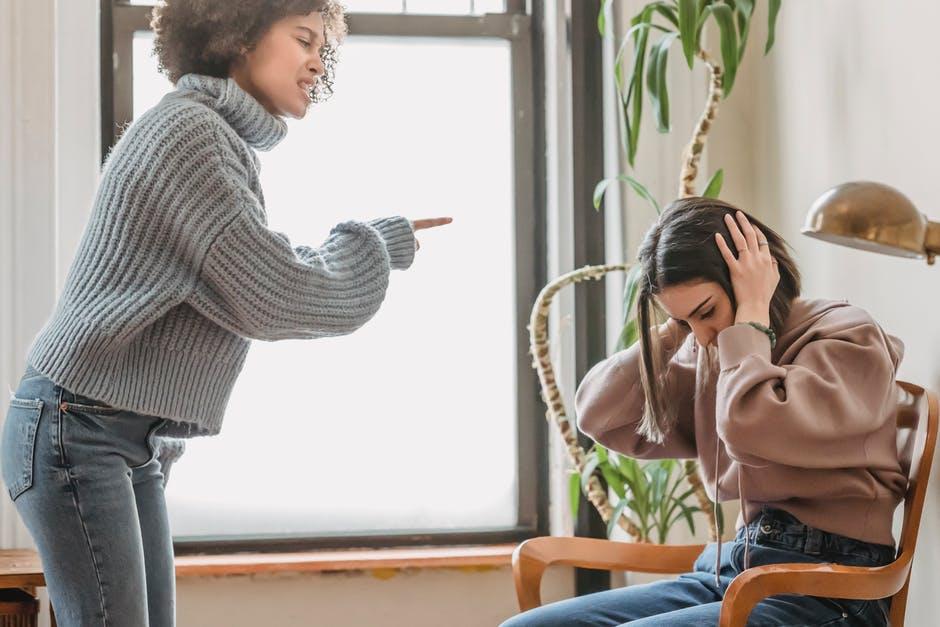 Bisa Meracuni Kesehatan Mental, Ini Ciri-ciri <i>Toxic Friend</i> yang Harus Diwaspadai