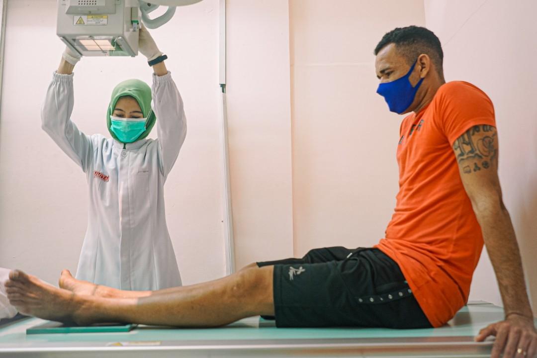 Jose Wilkson menjalani tes medis. (foto/persebaya)