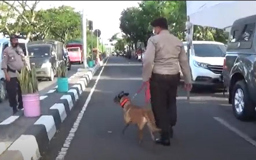 2 Kali Rusuh, Anjing Pelacak  Diterjunkan di Pos Penyekatan Suramadu