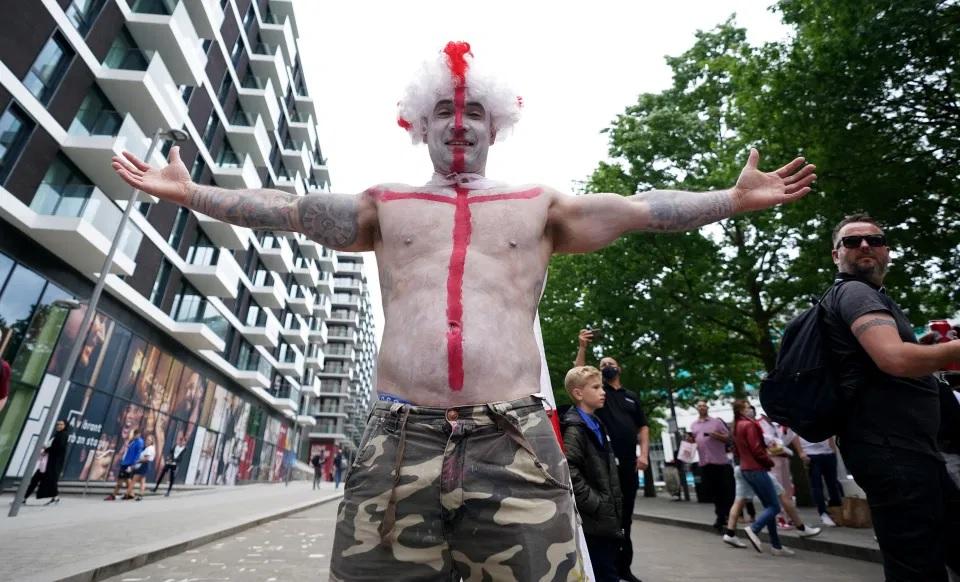 Aksi Gila Rakyat Inggris Sambut Kemenangan Atas Jerman di EURO 2020