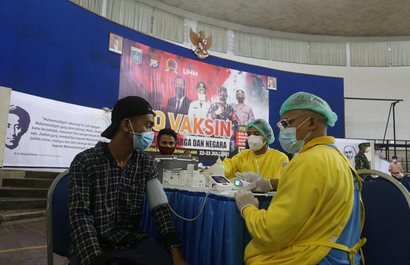 6.000 Warga Malang Disuntik Vaksin Sinovac di UMM