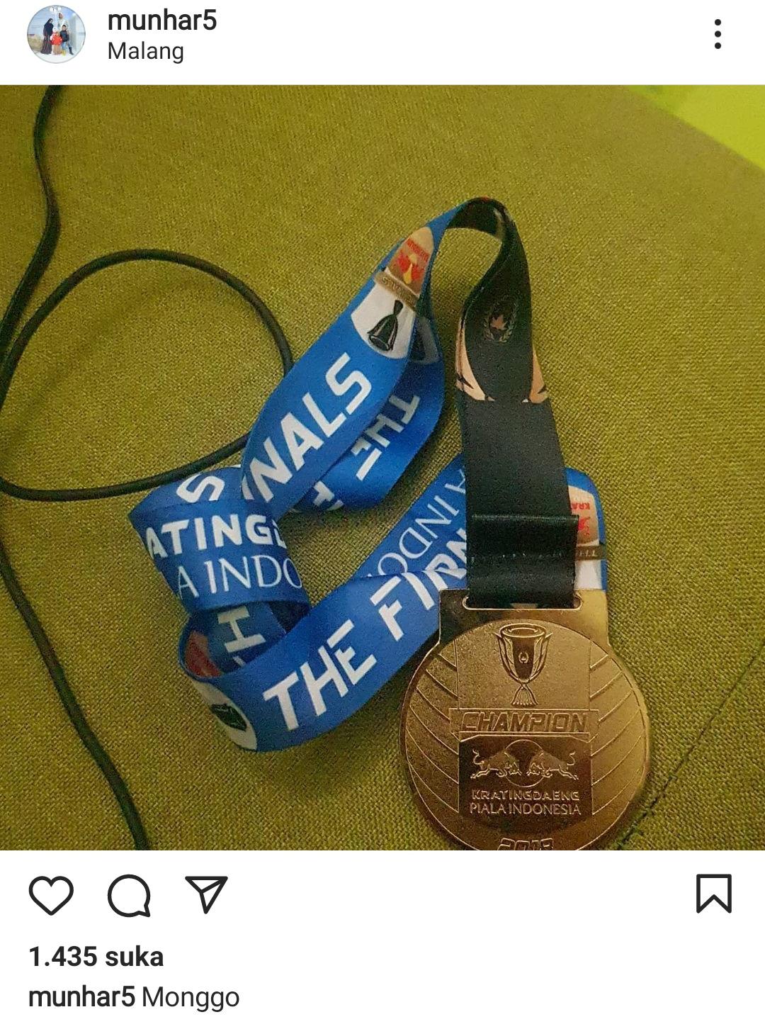 Libur Kompetisi, Mantan Bek Arema FC Lelang Medali untuk Hidup
