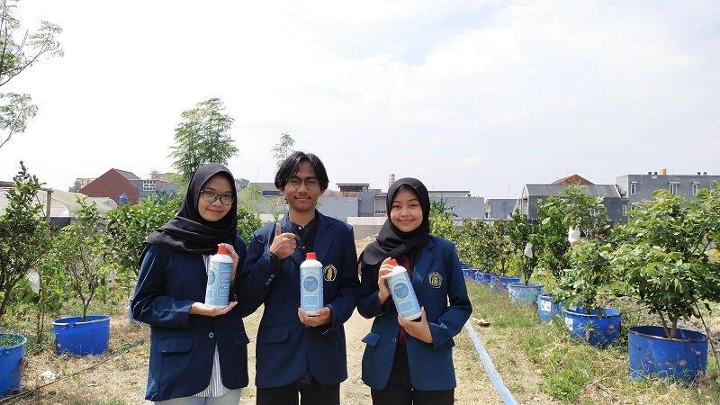 Inovatif, Mahasiswa UB Ubah Limbah Makanan Jadi Pupuk dan Penangkal Hama Tanaman