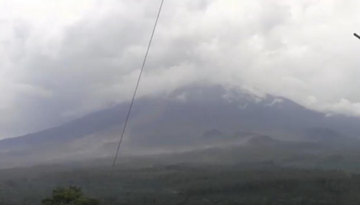 Waspada! Gempa Letusan Gunung Semeru Tercatat 51 Kali