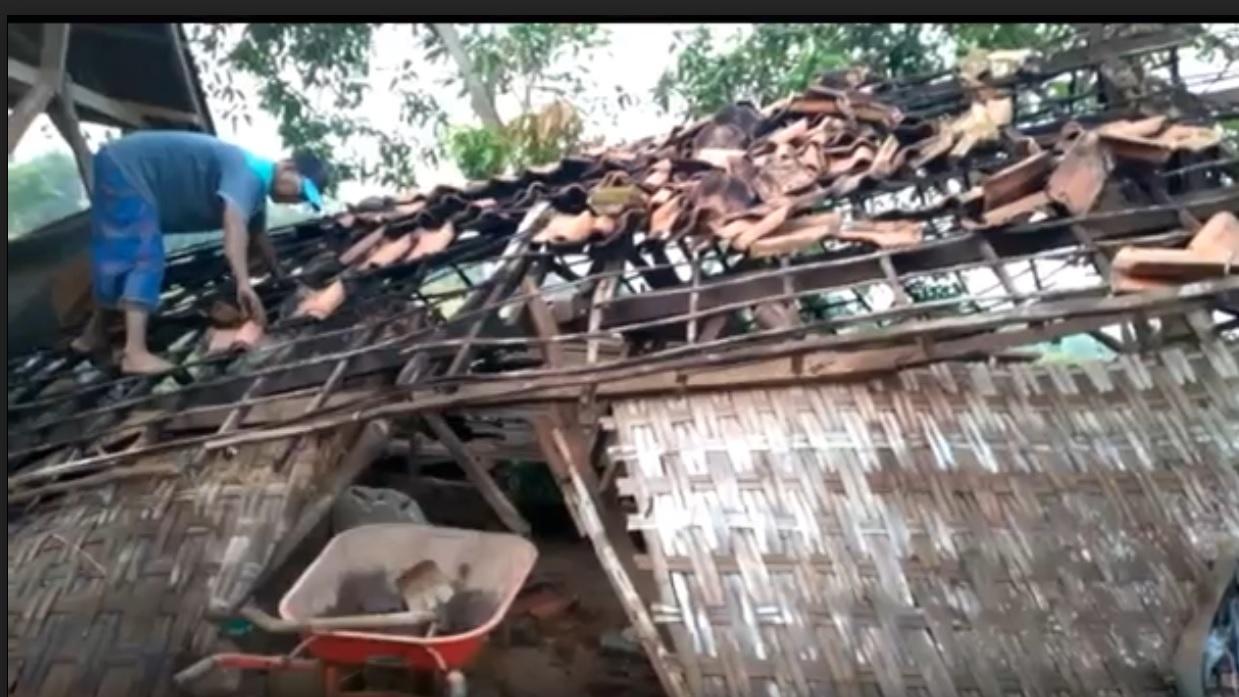 6 Rumah di Bangkalan Rusak Diterjang Angin Kencang