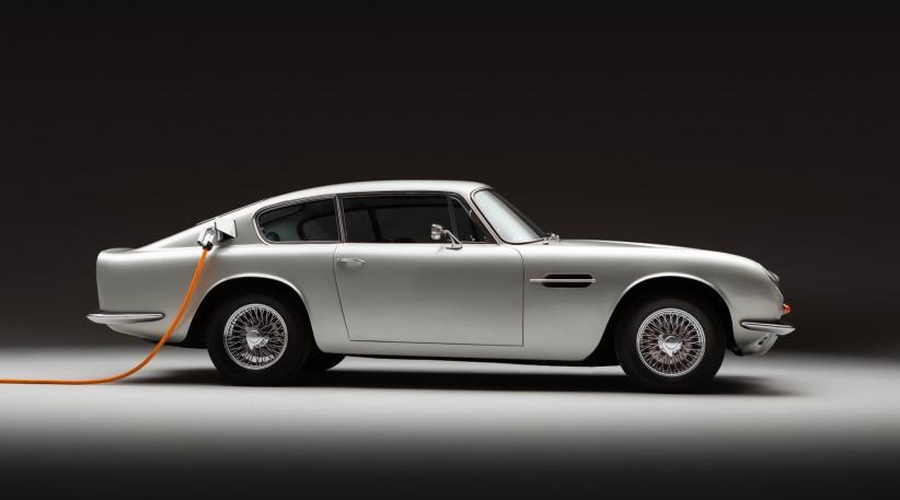 Penampakan Aston Martin DB6 yang dikonversi menjadi mobil listrik (electric vehicle/EV) (Foto / Istimewa)