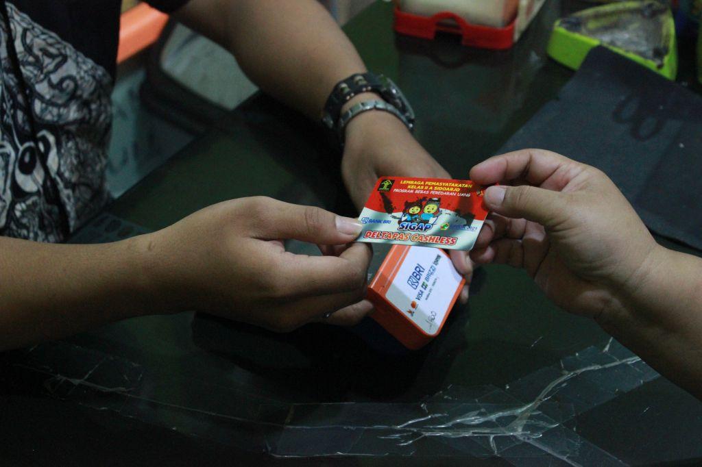 Hapus Peredaran Uang, Lapas Sidoarjo Terapkan Alat Pembayaran Non Tunai