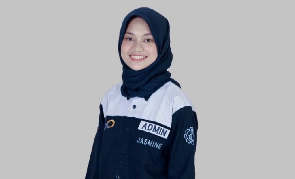 Masih Imut, Gadis Asal Malang Jadi Sarjana Termuda ITS