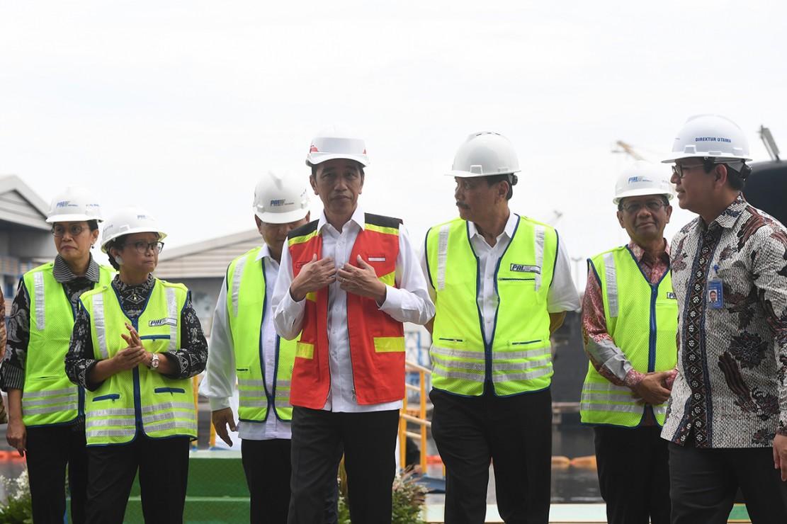 Kapal selam Alugoro merupakan kapal selam ketiga dari batch pertama hasil kerja sama pembangunan kapal selam antara PT PAL Indonesia (Persero) dan Daewoo Shipbuilding and Marine Engineering (DSME).